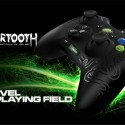 Razer reveals the Sabertooth Gaming Controller for XBOX & PS3